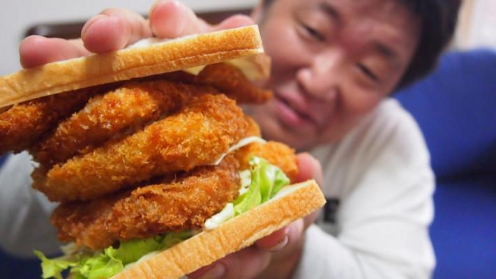大食いぽっちゃり男子が作ってみた!デカ盛りメガサンドイッチ