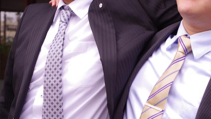 とあるハウスメーカー社員の日常。仕事の打ち合わせもランチの濃厚つけ麺も、ネクタイがキマっている件