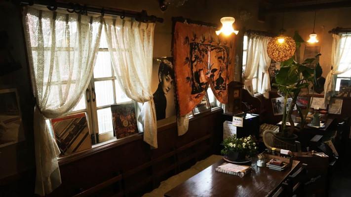 これぞ漫画メシ?新松戸【レストランST】でデカ盛り「フルーツパフェ」を食らってきた
