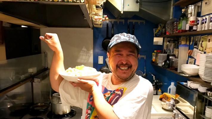 【小池里奈「となりのこいけ」で紹介!!】スタッフしか食べれないデカ盛りまかないメシ! 第7弾「ニク・ボナーラ」