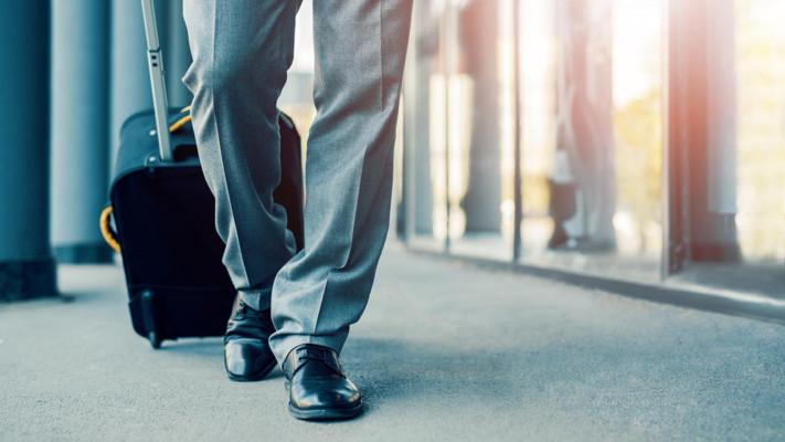 出張の多いおデブビジネスマンがおすすめするスーツケースの選び方