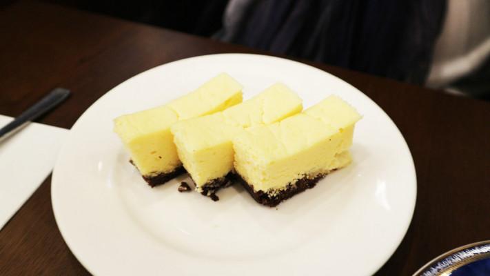 """""""低糖質""""チーズケーキをお腹一杯堪能! 中野の本格パティスリー「レザネフォール」 【スイーツ・デカっ! File.5】"""