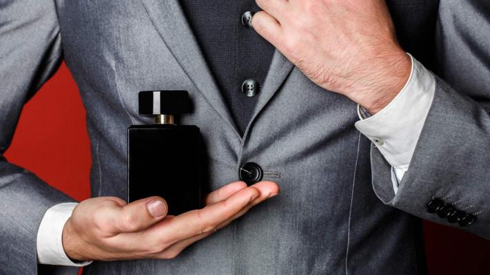 メンズ香水の正しい使い方&秋冬にオススメの香水・ボディスプレー6選