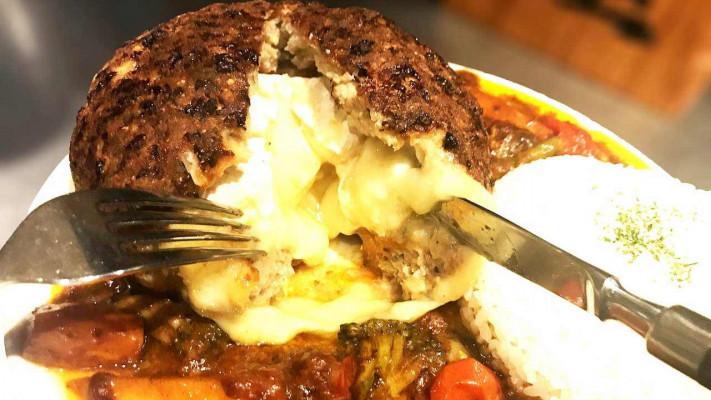 デブ飯チャンピオンのお店のデカ盛りまかない飯! 超巨大ハンバーグ「磐(I-WA)」