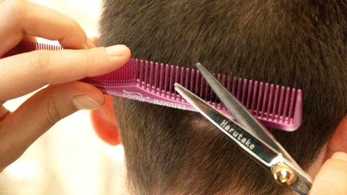"""プロの美容師に聞きました! おデブに似合うヘアスタイルは""""顔の形""""で決まる!!"""